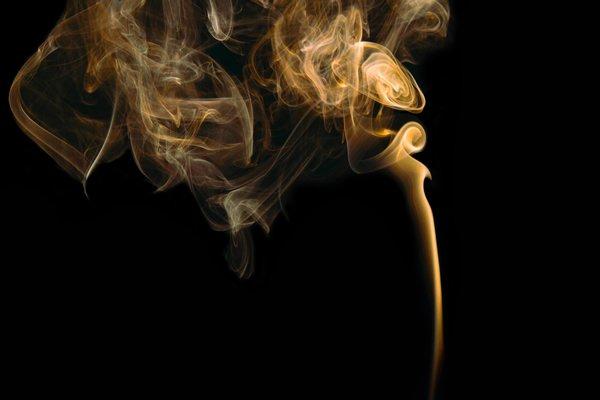 Cigarro e queda de cabelo