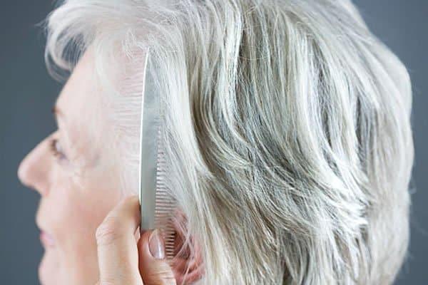 envelhecimento e queda de cabelo calvície