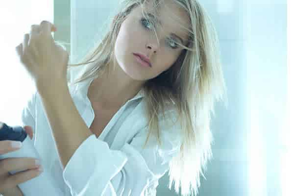Xampu a seco causa queda de cabelos?