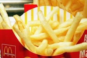 tratamento da calvície com um produto da batata do McDonald's