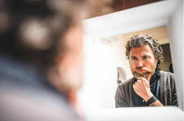 Calvície masculina tardia: como é possível ficar calvo mais velho?