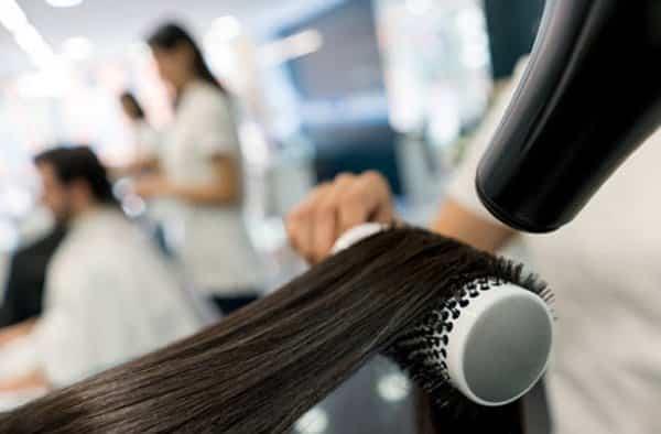 escova progressiva e queda de cabelo