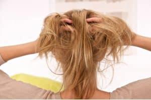 ardência no couro cabeludo causas